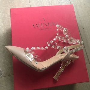 New, never worn Valentino Rockstud heels